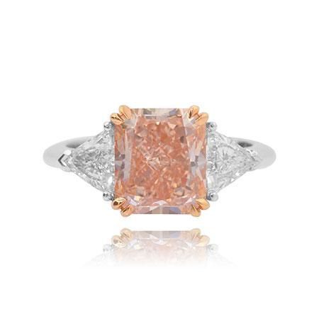 Ring with large pink diamond