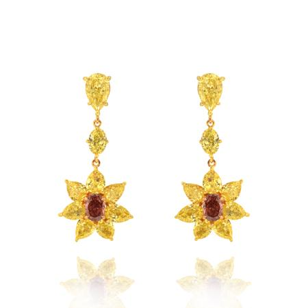 Earrings with colored diamonds