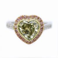 кольцо с зеленым бриллиантом