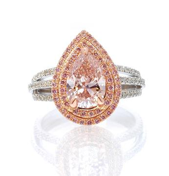 Ring with pink diamond
