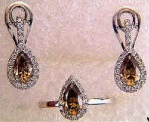 Set of ring and earrings with brown diamonds