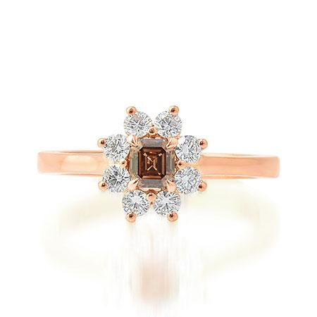 Ring with brown diamond and transparent diamonds
