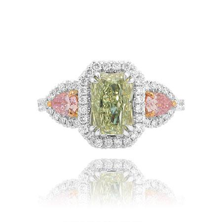 Ring with green diamond